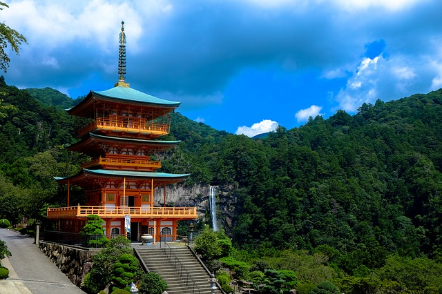temple-1841296_640